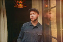 Matts Simons mestrer de smukke melodier og den dybtfølte lyrik
