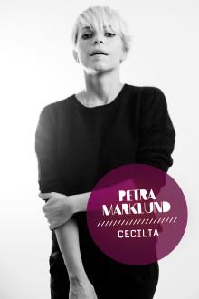 "Petra Marklund tolkar ""Cecilia""."