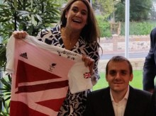 Paralympian helps launch Business Club to fund specialist ellenor children's nurse