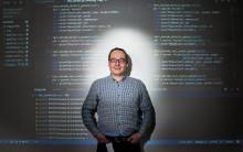 NE lanserar digitalt läromedel i programmering för hela grundskolan