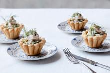 Recept på tarteletter med räkor och avokado i dillkräm