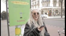 Halebops senaste nytt – en mynttelefon