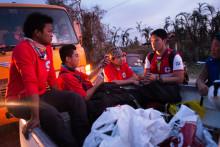Röda Korset vädjar om stor internationell hjälp för drabbade i Filippinerna
