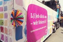Internationaler Bund demonstriert bei CSD-Parade in Stuttgart für Vielfalt und Gleichberechtigung