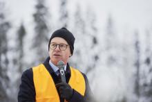 Närings- och innovationsminister Mikael Damberg hyllade skogen som bas för innovation under BIOBASE invigning