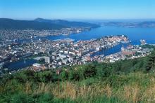 Vild vandring och cykel nära kulturstaden Bergen