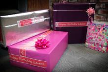 Poradnik Brother: oznaczanie świątecznych prezentów z drukarkami etykiet