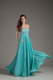 12 tips för att välja den perfekta balklänningen