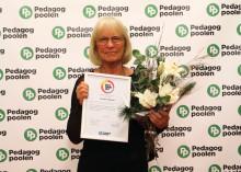 """Lärarvikarien Yvonne Nilsson 71 år (Ängelholm) tilldelas priset """"Årets Senior"""" för sina insatser inom skola"""