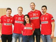 Nogle af de største danske sportsstjerner besøgte Julemærkehjem i Sønderjylland