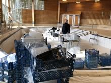 Plast är redo att bli till konstverk i Valsta simhall