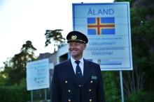 Kapten Ola Bengtsson har satt sin första fot på Åland