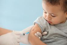 Studie som analyserat observationsdata visar att pneumokockvaccinet Prevenar 13 är associerat med minskad risk för sjukhusinläggning på grund av samhällsförvärvad lunginflammation hos äldre vuxna.