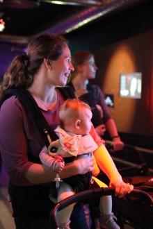 Babyomvisning på Popsenteret