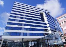 Tromsøs nye storstue, Clarion Hotel The Edge, inviterte til storslått åpningsfest.