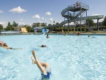 Rekordmånga besökare på badanläggningarna i sommar