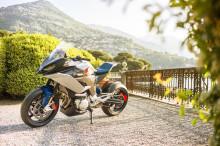 BMW Motorrad Concept 9cento. Två motorcyklar i en modell