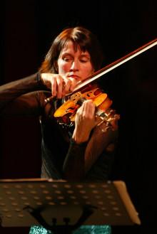 Världsviolinisten Viktoria Mullova spelar med Gävle Symfoniorkester