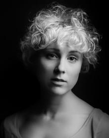 Dubbelt uppmärksammade sopranen Sofie Asplund medverkar i operan Hemligt äktenskap på Drottningholms Slottsteater
