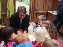 Stortingspresidenten besøkte barn i barnehagen