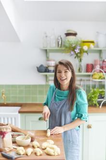 BBC-stjärnan Rachel Khoo med ny kokbok om det svenska köket