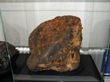 303 kg tung meteorit lyftes in på Naturhistoriska riksmuseet