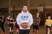 Basketproffset som startat klubb prisas