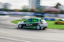 Helling slog rekord och säkrade titeln i Clio Cup
