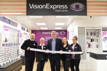 Great Yarmouth MP officially opens brand new optical store
