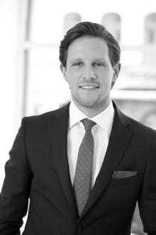 Alexander White välkomnar Johan Franzon