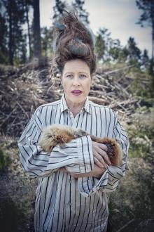 Wounded Animals, personliga bekännelser i vild och mångbottnad soloshow av och med Angela Wand