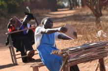 Michelle och Barack Obama stödjer kampen för flickors rätt till utbildning