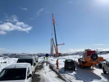 Montasje av turbiner startet i Kvenndalsfjellet vindpark