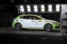 Täysin uuden Ford Focuksen viiden tähden turvaluokituksen takana edistynyt teknologia ja insinöörityön innovaatiot