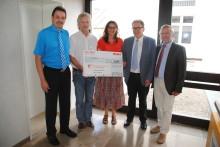 Presseinformation: 5.000 Euro für Pädagogisches Zentrum St. Josef in Parsberg - Bayernwerk übergibt RestCent-Spende aus Mitarbeiter-Hilfsfonds des E.ON-Konzerns