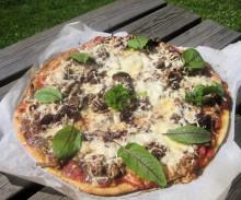 Helppoa kesäruokaa: pizzaa ja lettuja
