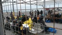 Läkare Utan Gränser hjälper båtflyktingar till havs