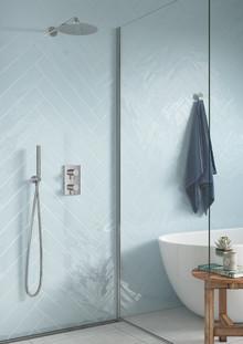 Simpelt, smukt og smart  – nye Damixa-løsninger til badet er bygget ind i væggen