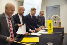 Kongsberg Digital: KONGSBERG, Viking Supply Ships, the Swedish Maritime Administration and Kalmar Academy sign agreement to further development and education for ice operations