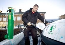 Umeå Energi gör det enklare för Umeåborna att ladda elbilar och laddhybrider