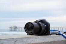 Aumente sus posibilidades fotográficas con la nueva Cyber-shot™ HX400V con un zoom 100x *