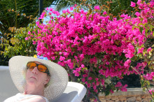 Sådan rejser man med 15 plejecenterbeboere til sydens sol og varme