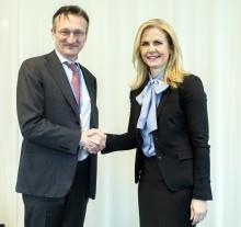 Fujitsu sluter internationellt IT-avtal med Intrum - Europas ledande kredithanterare