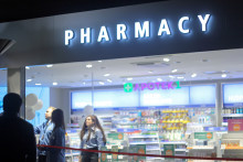 Opening Norway's first airport pharmacy