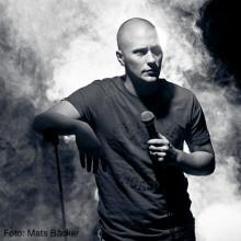 Magnus Betnér släpper exklusivt material på YouTube