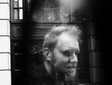 Singer/songwriter-talentet Gavin James fremfører sin Bitter Pill i VEGA