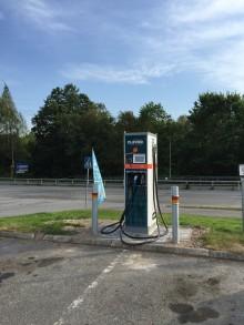 Nya snabbladdare till elbilar längs E18