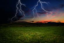 Så skyddar du dig bäst mot blixtnedslag