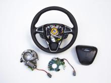 Ford lanserer avansert styreteknologi som gir enklere manøvrering og økt kjøreglede