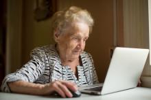 Gratis internet för att underlätta för äldre